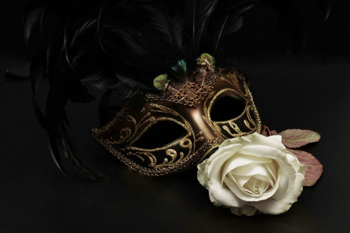 200131190704-mask-1150221-1920