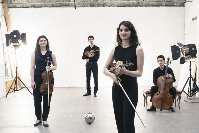 Portrait du Quatuor Tchalik, au studio Daylight de l'Atelier d'en face, à Ivry.