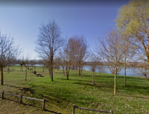 Aire-de-pique-nique-du-plan-d-eau-des-Genievres—Belleville-sur-Loire