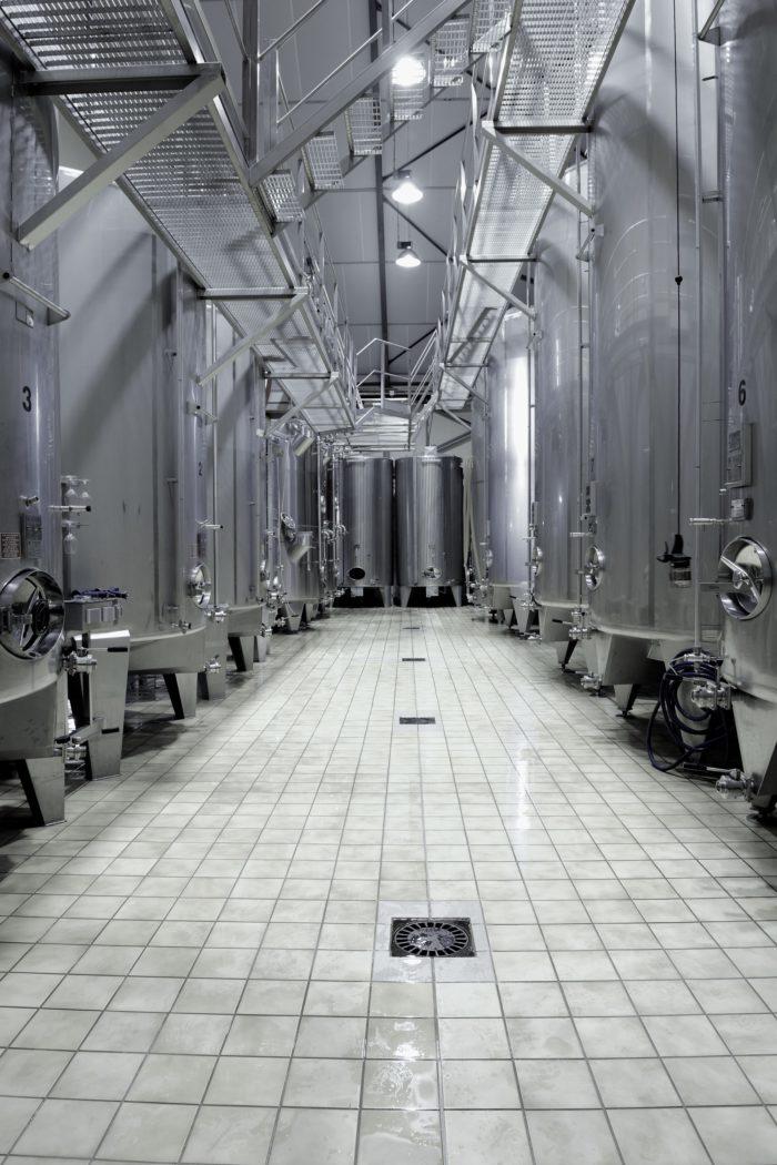 Domaine-Laporte—Salle-de-vinification–1-