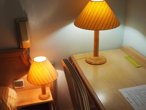 HOTEL LOGIS L'ESTERILLE BUE DETAIL CHAMBRE