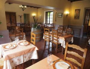 HOTEL LOGIS L'ESTERILLE BUE SALLE DE RESTAURANT