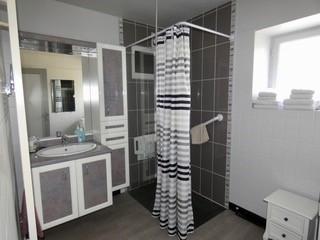La-Veranda-salle-d-eau-Verdigny