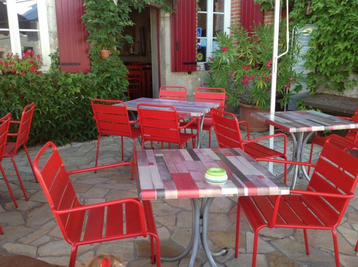 Restaurant-Le-Pousse-Caillou—Exterieur-1