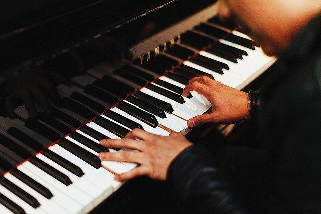 pianist-1149172-640