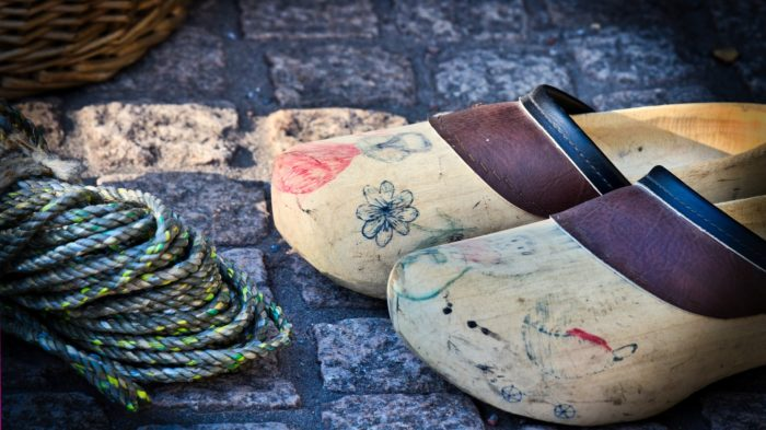 wooden-shoes-3752191-1920